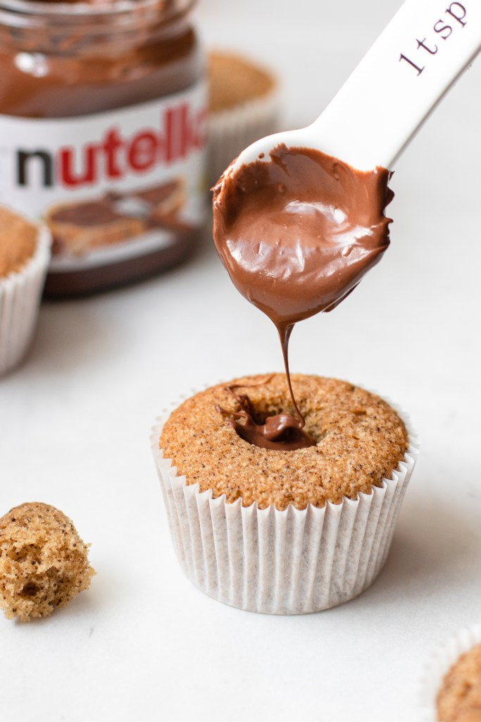 Filling the cupcake with Nutella